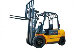 柳工CPC30内燃平衡重式叉车