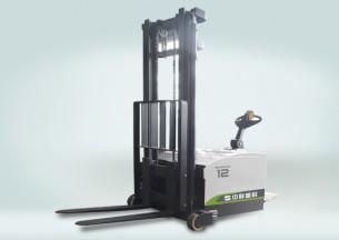 中联重科DB12电动堆高车
