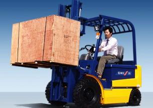 柳工CPD25电动平衡重式叉车